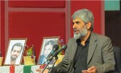 پدر شهید احمدیروشن: برای دفاع از رهبری هزاران احمدیروشن را فدا میکنیم