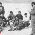 دكتر مصطفی چمران و آیتالله خامنهای پس از حادثه طبس در حال بررسی حمله آمریكاییها  به طبس