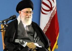 رهبر انقلاب با اشاره به دور دوم انتخابات:ملت ایران، روز جمعه بصیرت و موقع شناسی خود را به نمایش می گذارد