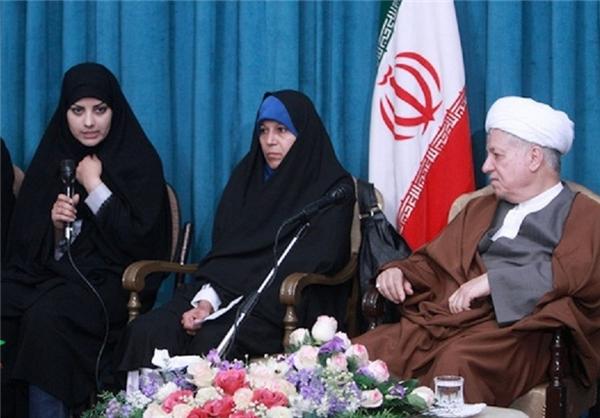 """حضور مجرم """"تبلیغ علیه نظام"""" و فعال فتنه 88 در کنار هاشمیرفسنجانی + عکس"""