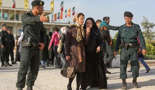 درسایه غفلت مسئولان در فرودگاههای کشور حجاب معنایی ندارد!