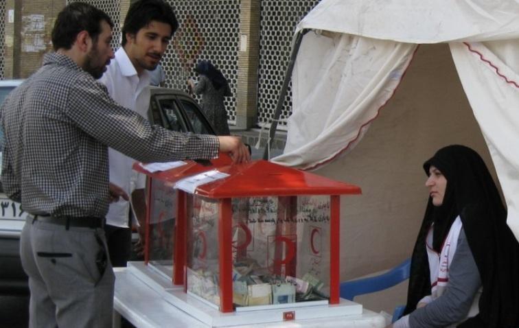 مردم رفسنجان به کمک زلزله زدگان آذربایجان شرقی شتافتند