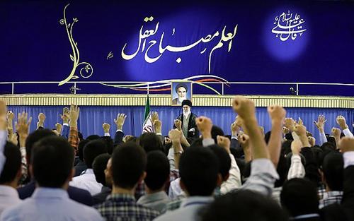 ملت ایران به فضل الهی از گردنههای دشوار عبور خواهد کرد