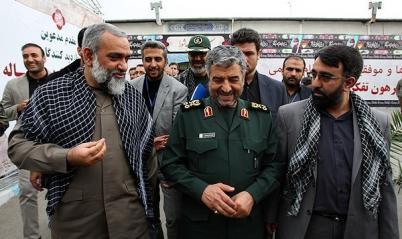 بازدید فرمانده کل سپاه از نمایشگاه دستاوردهای سازمان بسیج