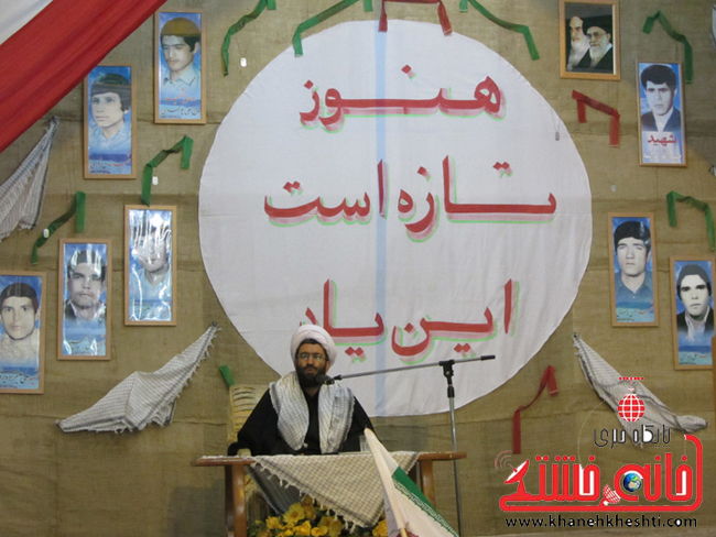 ملت ایران با صبر، مقاومت، ایمان و قناعت و خویشتن داری، تحریم های شدید غرب را شکست داد