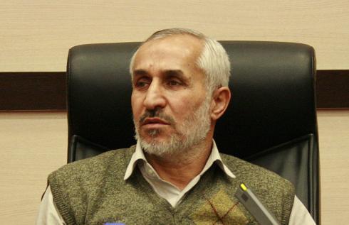 احمدی نژاد الان مغرور شده و اخلاق برایش معنی ندارد/ رابطه خانوادگی احمدی نژاد با مشایی باعث ایجاد یک فرقه شده است