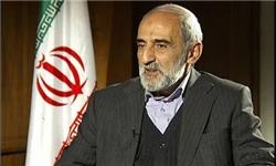 انتقاد شدید «شریعتمداری» به اقدامات اخیر «احمدینژاد»