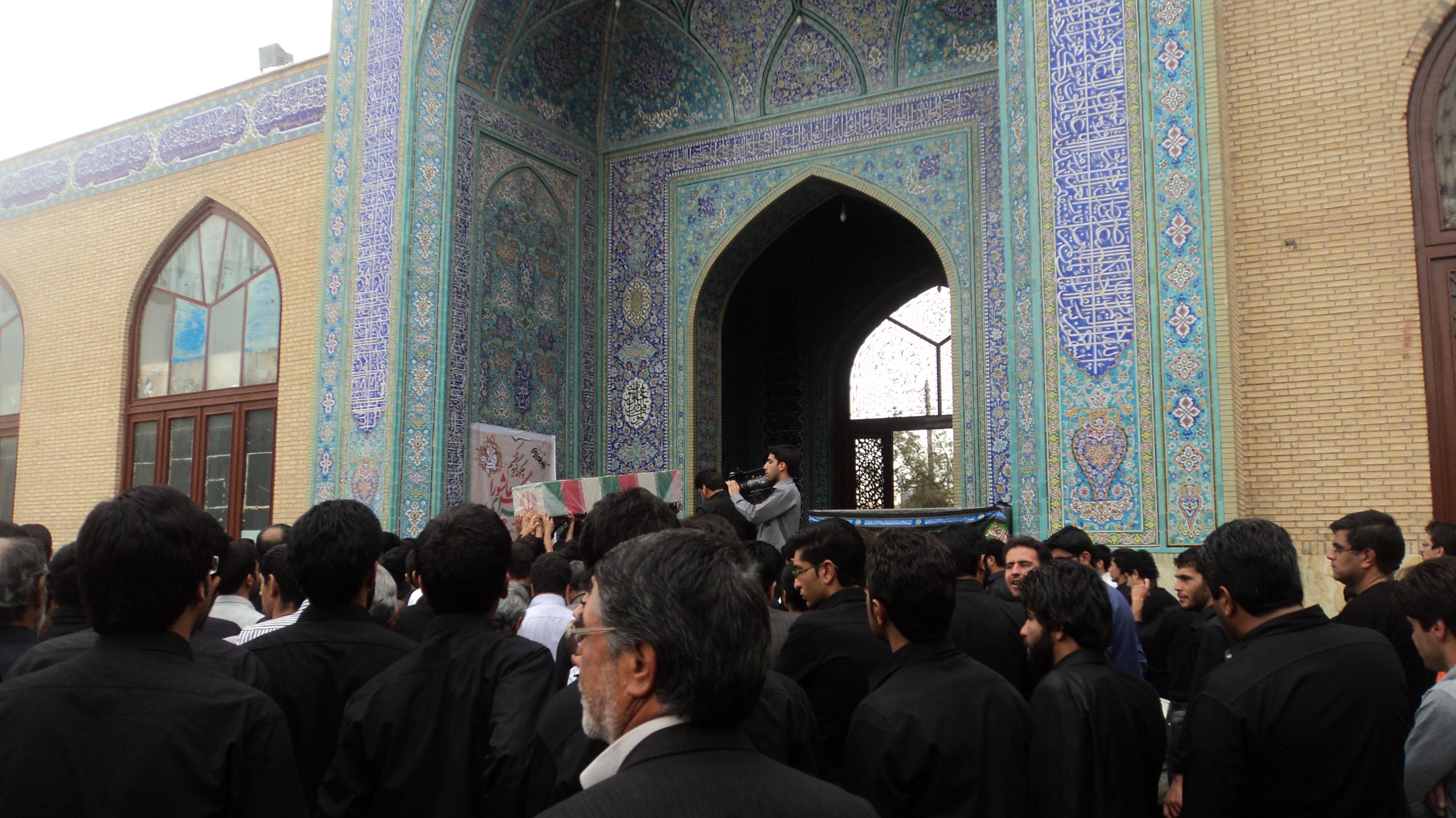 وداع با یک شهید گمنام/میزبانی رفسنجانی ها برای لاله ی کربلایی + عکس