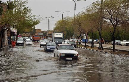 احتمال آبگرفتگی معابر و کاهش دما از روز شنبه 92/1/17 در رفسنجان