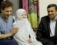 عیادت سرزده احمدینژاد از بازیگرمشهورسینما+عکس