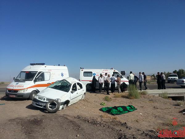 واژگونی یک دستگاه سواری تندر90 در محوررفسنجان به کرمان + عکس