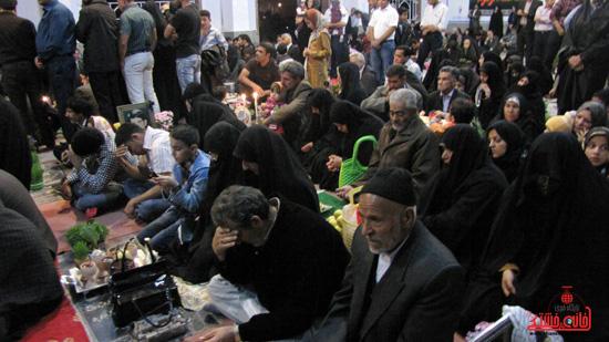 مراسم تحویل سال نو در جوار قبور شهدا رفسنجان (15)