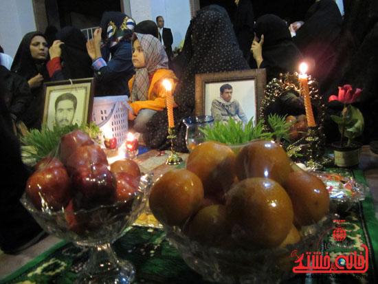 گزارش تصویری/ مراسم تحویل سال نو در جوار قبور شهدا رفسنجان