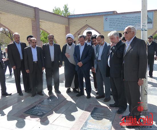 استاندار کرمان از واحدهای اقتصادی و  تولیدی  رفسنجان بازدید کرد