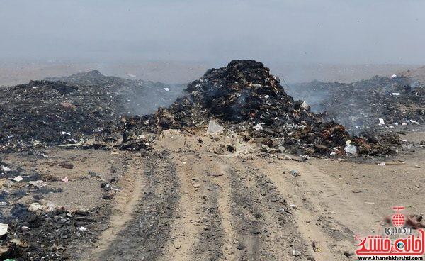 از دفن غیر اصولی زباله های عفونی و خانگی تا آتش زدن آنها در رفسنجان
