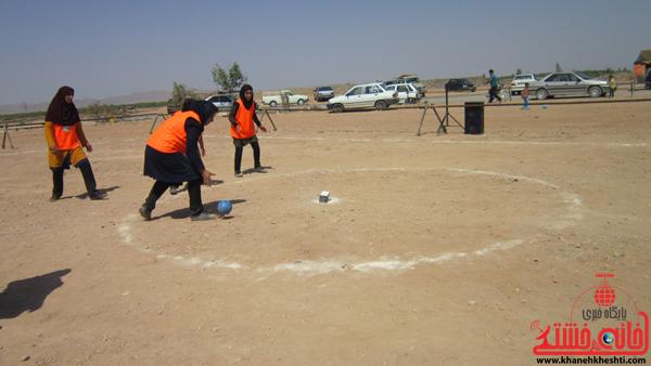جشنواره بازی های بومی و محلی/ رقابت بانوان در مسابقات هفت سنگ و ماچلوس