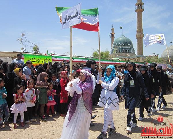 دوربین خانه خشتی/ رژه تیم های ورزشی در هشتمین جشنواره ی بازی های بومی، محلی رفسنجان