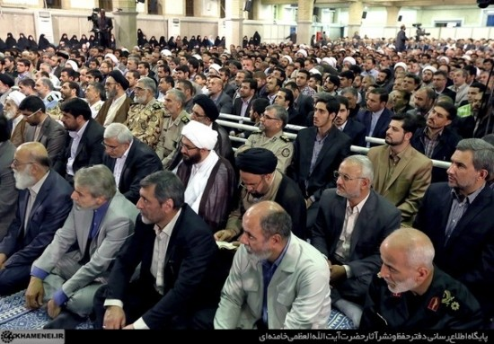 رفسنجان-رهبر معظم انقلاب در دیدار مسئولان، سفیران و اقشار مختلف مردم