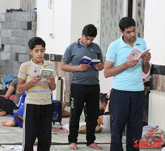 آیین اعتکاف در مسجد امام خمینی(ره) رفسنجان + عکس