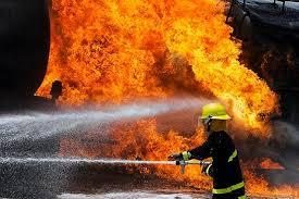 حضور بموقع آتش نشانی، جان ساکنان بلوار آیت الله صدر رفسنجان را نجات داد