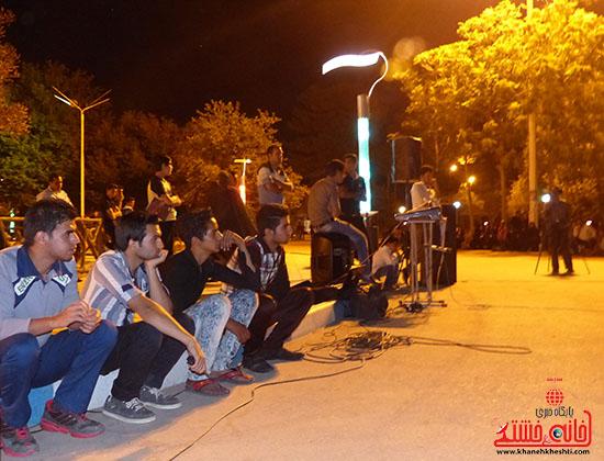 اجرای نمایش خیابانی با موضوع ماهواره در پارک جوان رفسنجان-خانه خشتی (11)