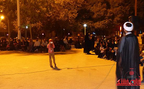 اجرای نمایش خیابانی با موضوع ماهواره در پارک جوان رفسنجان-خانه خشتی (4)