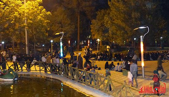 گزارش تصویری/اجرای نمایش خیابانی با موضوع ماهواره در پارک جوان