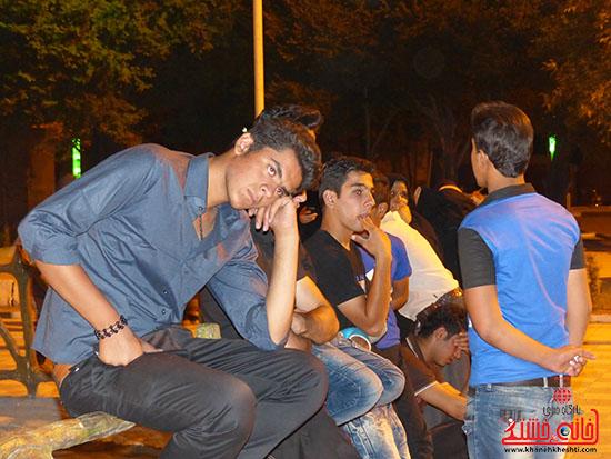 اجرای نمایش خیابانی با موضوع ماهواره در پارک جوان رفسنجان-خانه خشتی (9)