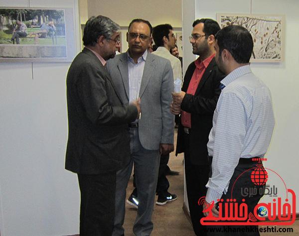 بازدید احمدی مسئول بسیج هنرمندان استان کرمان از نمایشگاه عکس