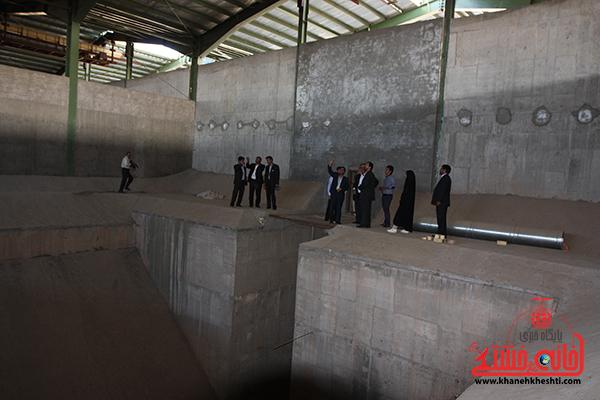 بازدید فرماندار رفسنجان از کارخانه آرد توکل12