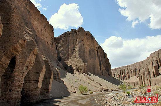 دره راگه  یکی از منحصربفرد ترین دره های کشور در رفسنجان-خانه خشتی.jpg (2)