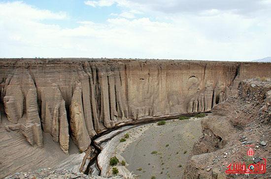 """تصاویر/"""" دره راگه """" یکی از منحصربفرد ترین دره های کشور در رفسنجان"""