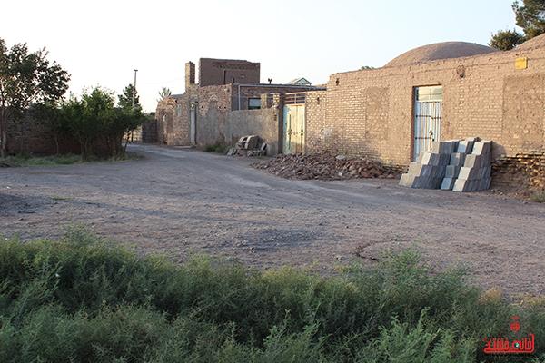 دوربین خانه خشتی در روستای احمدآباد رضوی رفسنجان