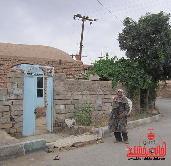 دوربین خانه خشتی/ روستای خنامان