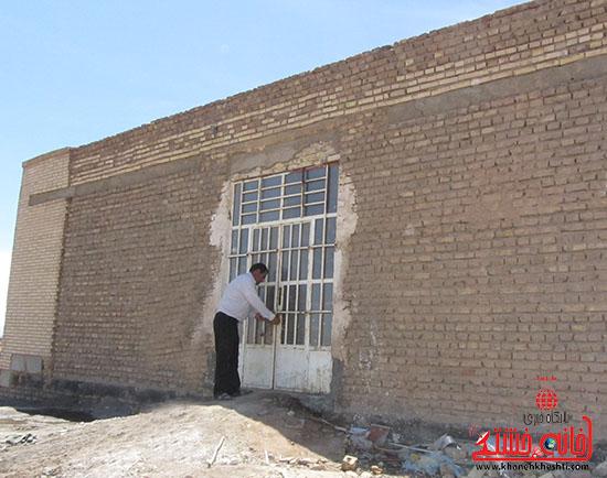 کارآفرین رفسنجانی-یاری-خانه خشتی مدرسه متروکه.jpg (5)
