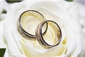 تعداد دختران آماده ازدواج 100 هزار نفر بیش از پسران است