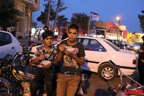 افطاری ماه مبارک رمضان در رفسنجان2