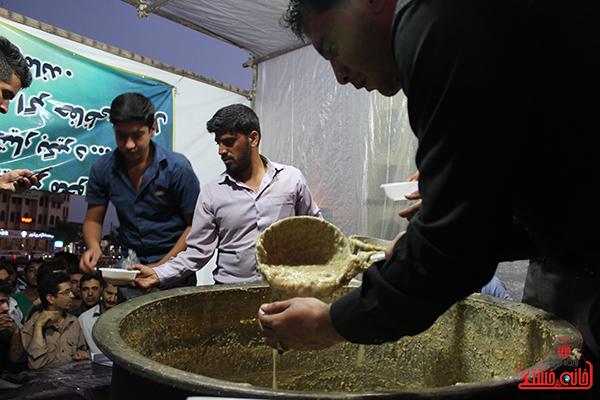 افطاری ماه مبارک رمضان در رفسنجان7