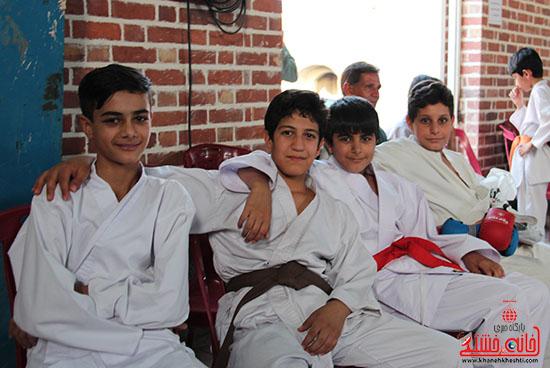 مسابقات کاراته جام صلح و دوستی در رفسنجان (9)