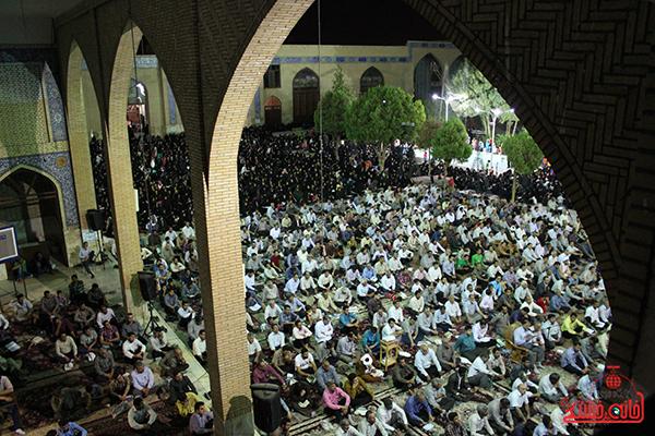 دوربین خانه خشتی در مراسم وداع با ماه مبارک رمضان