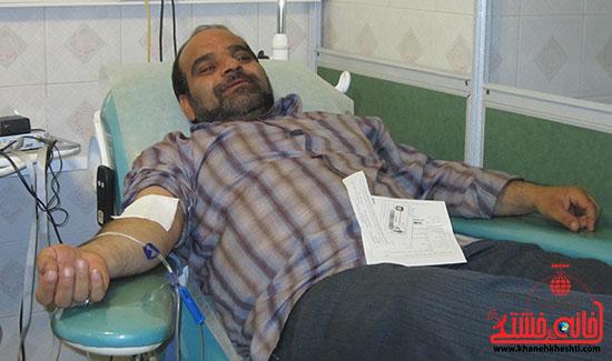 اهدای خون هنرمندان رفسنجان در حمایت از کودکان غزه