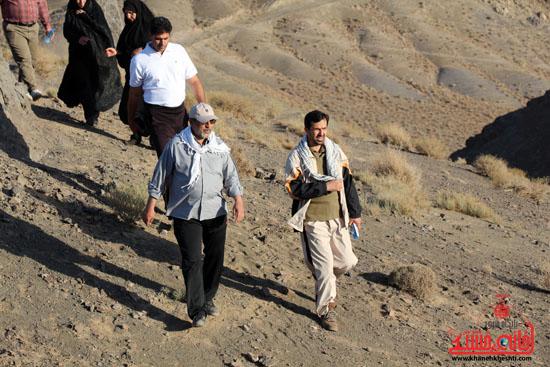 همایش بزرگ کوهپیمایی خانوادگی در رفسنجان-روز خبرنگار-شهید خبرنگار (11)