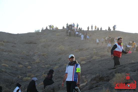 همایش بزرگ کوهپیمایی خانوادگی در رفسنجان-روز خبرنگار-شهید خبرنگار (13)