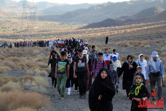 همایش بزرگ کوهپیمایی خانوادگی در رفسنجان-روز خبرنگار-شهید خبرنگار (3)