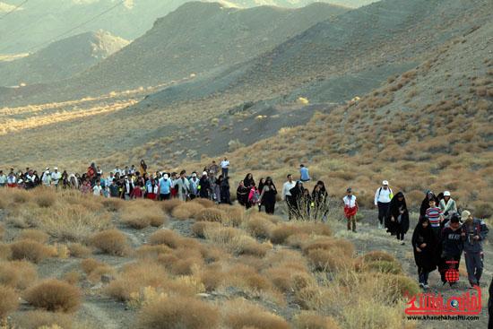 همایش بزرگ کوهپیمایی خانوادگی در رفسنجان-روز خبرنگار-شهید خبرنگار (4)