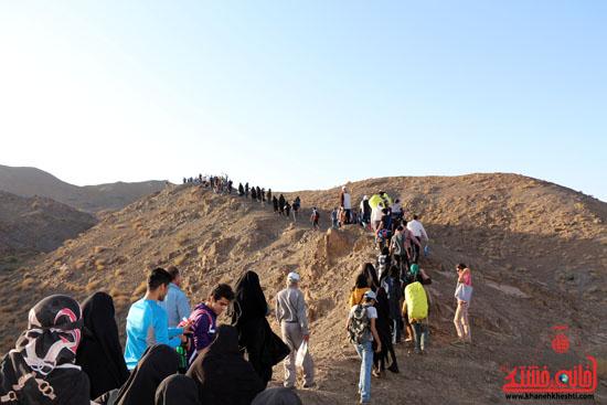 همایش بزرگ کوهپیمایی خانوادگی در رفسنجان-روز خبرنگار-شهید خبرنگار (7)