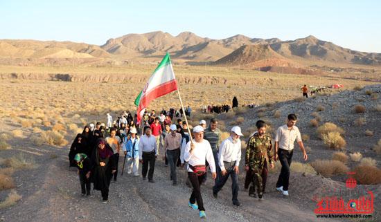 همایش بزرگ کوهپیمایی خانوادگی در رفسنجان برگزار شد + عکس