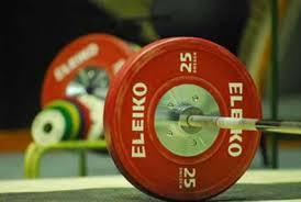 نوجوان وزنه بردار رفسنجانی برسکوی قهرمانی نشست