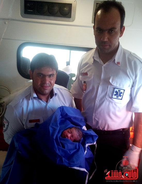 بازهم زایمان موفق در آمبولانس 115 رفسنجان + عکس