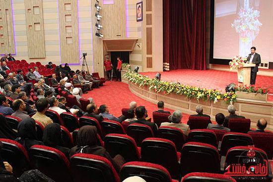 آشتی دادن صنعت و دانشگاه از دغدغه های مقام معظم رهبری و انتظارات دولت جمهوری اسلامی ایران است